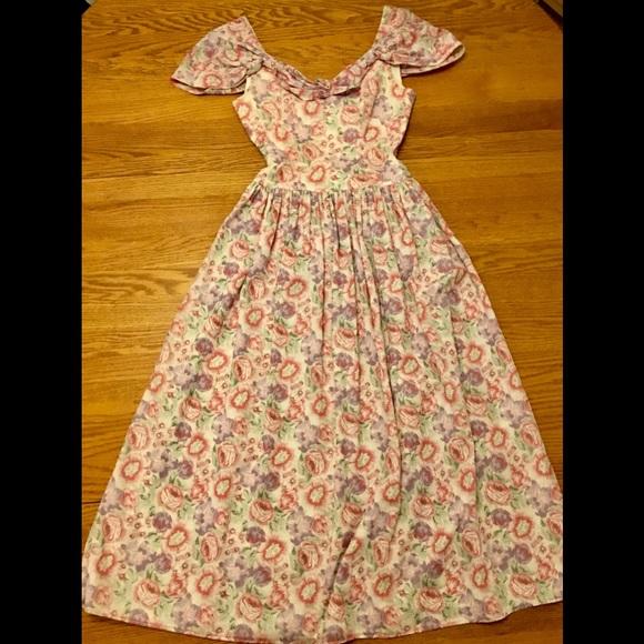 c73d6d8538 Laura Ashley Dresses   Skirts - ⚡️TODAYONLY⚡ LAURA ASHLEY Dress